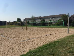 Thomas Street Beach Courts